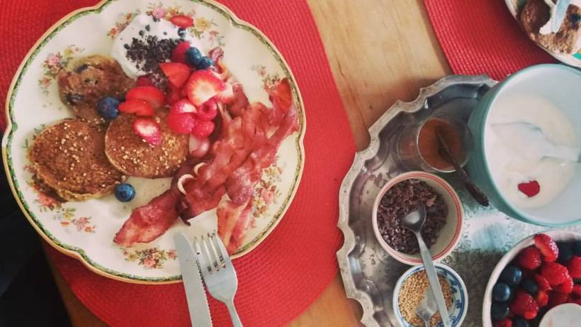 friassuperfoods_kelsey_healthy_pancakes